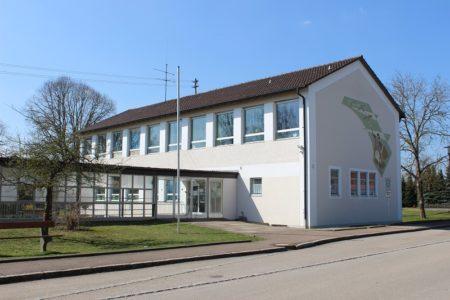 Schulhaus Schwenningen (Foto: VG Höchstädt)
