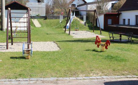Spielplatz Kreuzfeld Gremheim (Foto: VG Höchstädt)