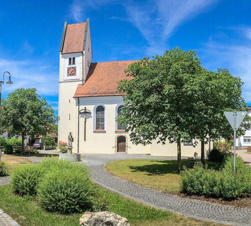 Kirche St. Andreas Gremheim (Foto: Creative Jam)