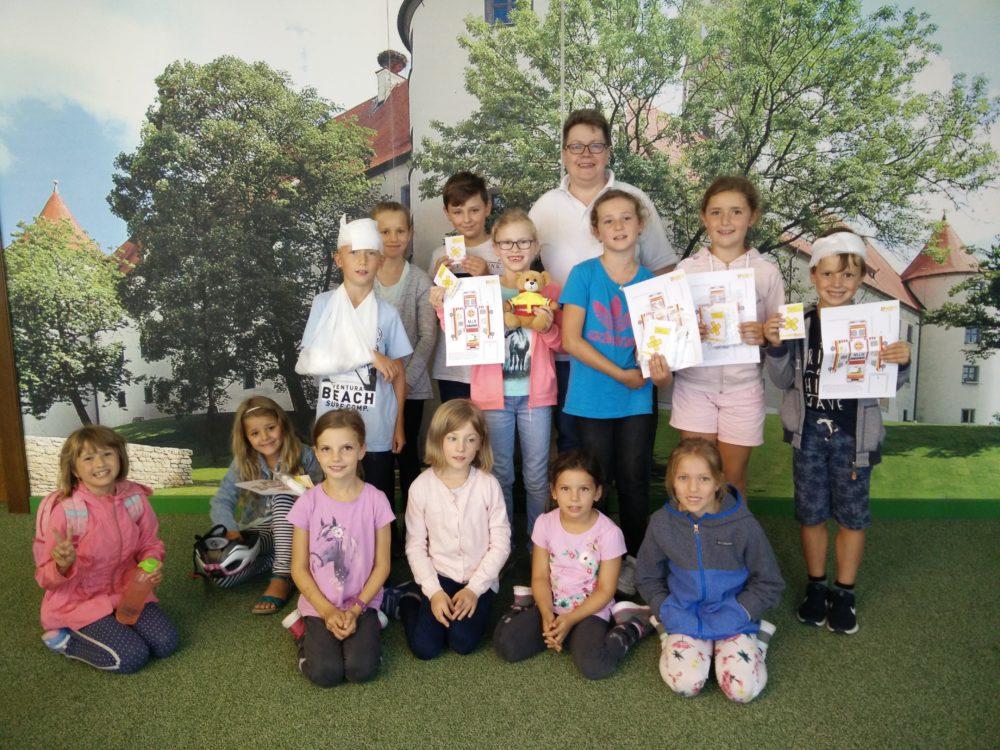 Ferienprogramm Erste Hilfe Kurs für Kinder (Foto: Tremmel, VG Höchstädt)