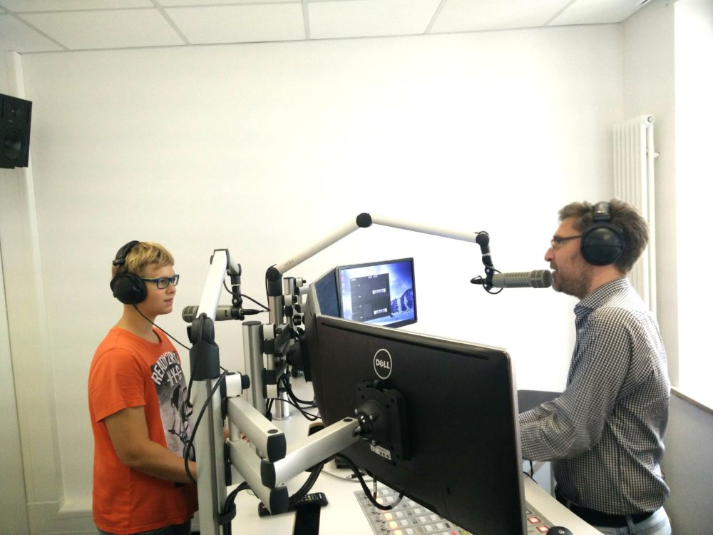 Ferienprogramm Besuch Radio RT1 (Foto: Tremmel, VG Höchstädt)