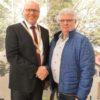 Stadtrat Peter Schweyer mit Bürgermeister Gerrit Maneth (Foto: Achim Oelkuch, VG Höchstädt)