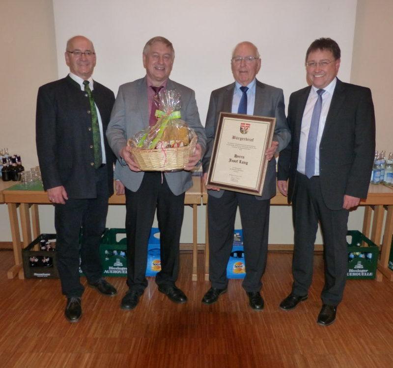 Neujahrsempfang Blindheim v.l.n.r.: 2. Bürgermeister Helmut Gerstmayer, Hermann Schwager, Josef Lang, Bürgermeister Jürgen Frank; (Foto: Gemeinde Blindheim)